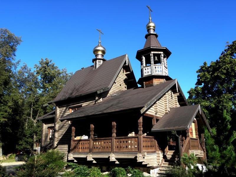 Церковь Иоанна Кронштадтского в Колтушах
