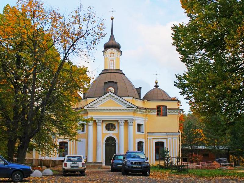Церковь святых апостолов Петра и Павла в Знаменке