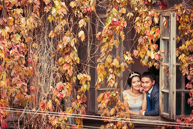 платье на свадьбу подруги осенью