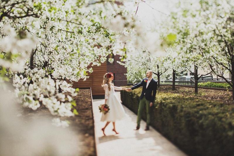 что одеть на свадьбу гостье весной фото