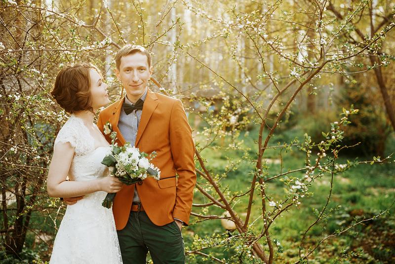 что одеть на свадьбу весной гостье