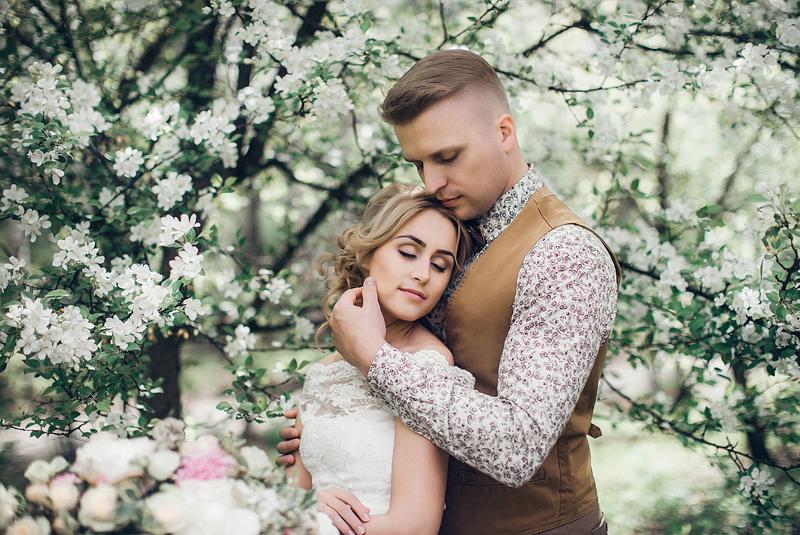 что одеть на свадьбу весной девушке гостье