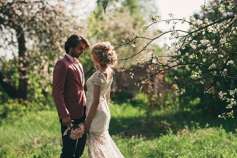 свадьба весной что одеть гостям