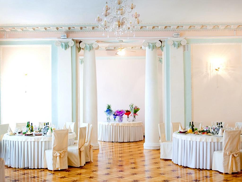 Подборка лучших дворцов Санкт-Петербурга для празднования свадьбы
